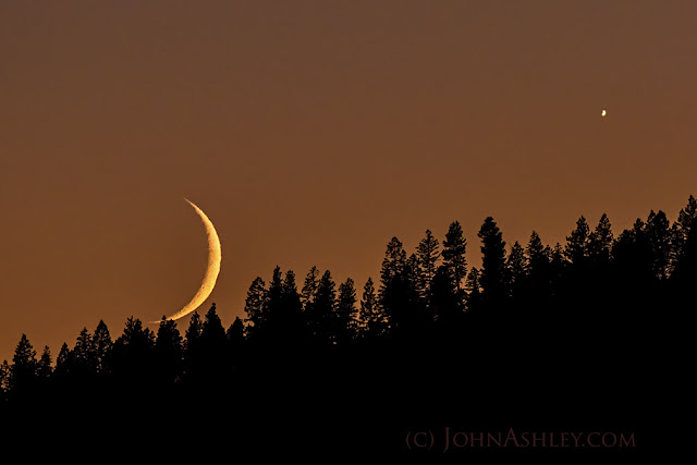 Moon Venus (c) John Ashley