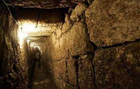 Rome's Labyrinth of Subterranean Tunnels