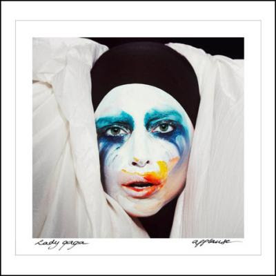 Lady Gaga – Applause (2013)