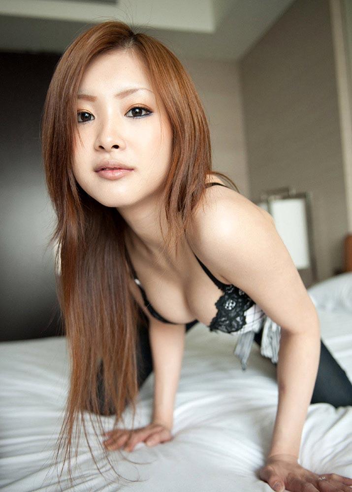 suzuka ishikawa stripping naked pics 04