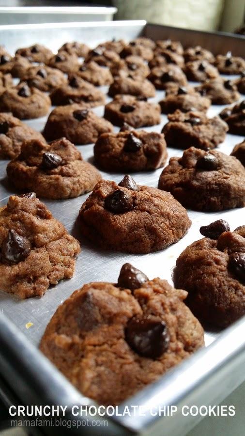 MamaFaMi's Spice n Splendour: Crunchy Chocolate Chips Cookies