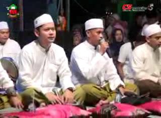 Bimaulidil Hadi (Live) - Al Munsyidin