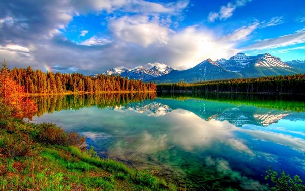 HD Beautiful Mountains Scenery Pictures