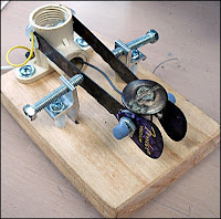 junk box morse paddles with hacksaw blade