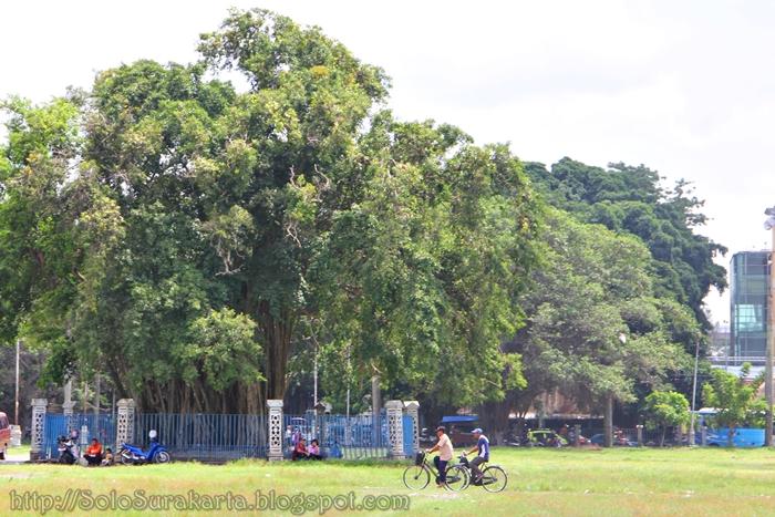 Alun-alun Lor Kraton Surakarta Hadiningrat