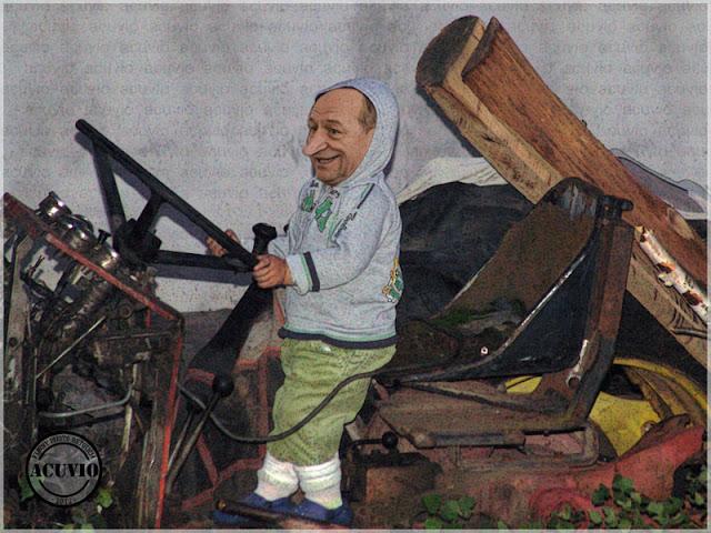 Funny photo Traian Băsescu Brevet comandant