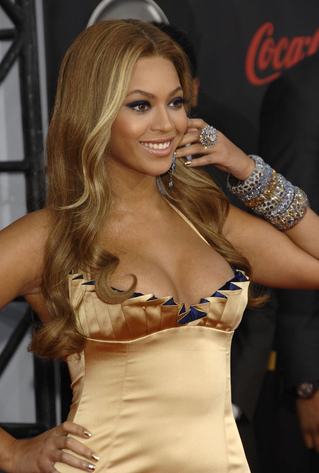 http://2.bp.blogspot.com/-dWQdS37U-F8/Tdq8UJkcV3I/AAAAAAAAIxU/1-sviTW1ZmI/s1600/35286_Celebutopia-Beyonce-2007_American_Music_Awards_Arrivals-19_123_1028lo.jpg