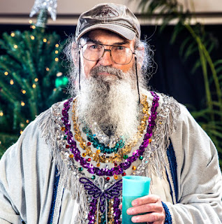 Duck Dynasty's Uncle Si Shares His Favorite Christmas Memory