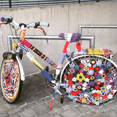 Das ist zwar nicht mein Rad, aber eine wunderschöne Art sein Rad zu behübschen! © diekremserin