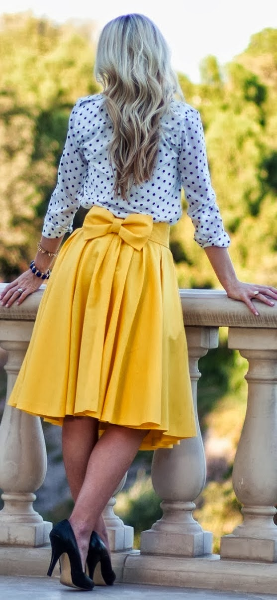 Yellow flowy skirt and polka dot top fashion