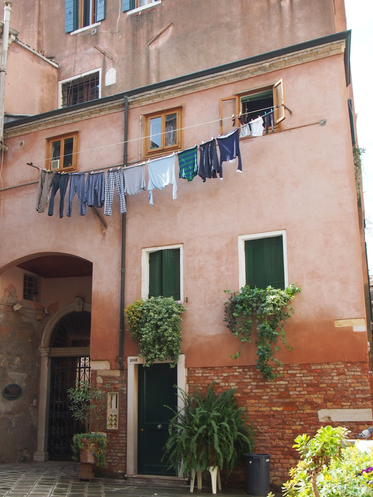 Laundry drying in Venice