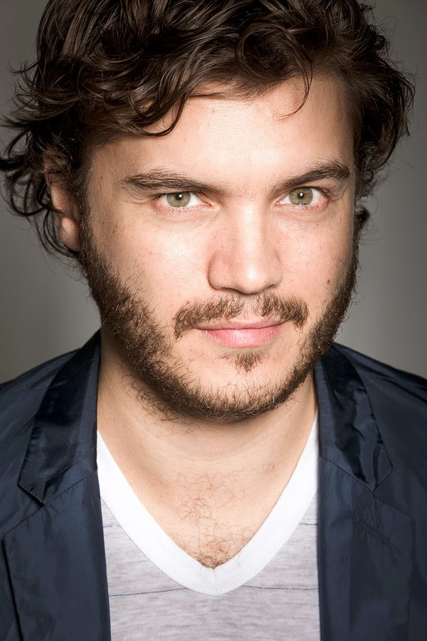 domingo  diciembre 08  2013 Emile Hirsch   Holliday GraingerHolliday Grainger And Emile Hirsch