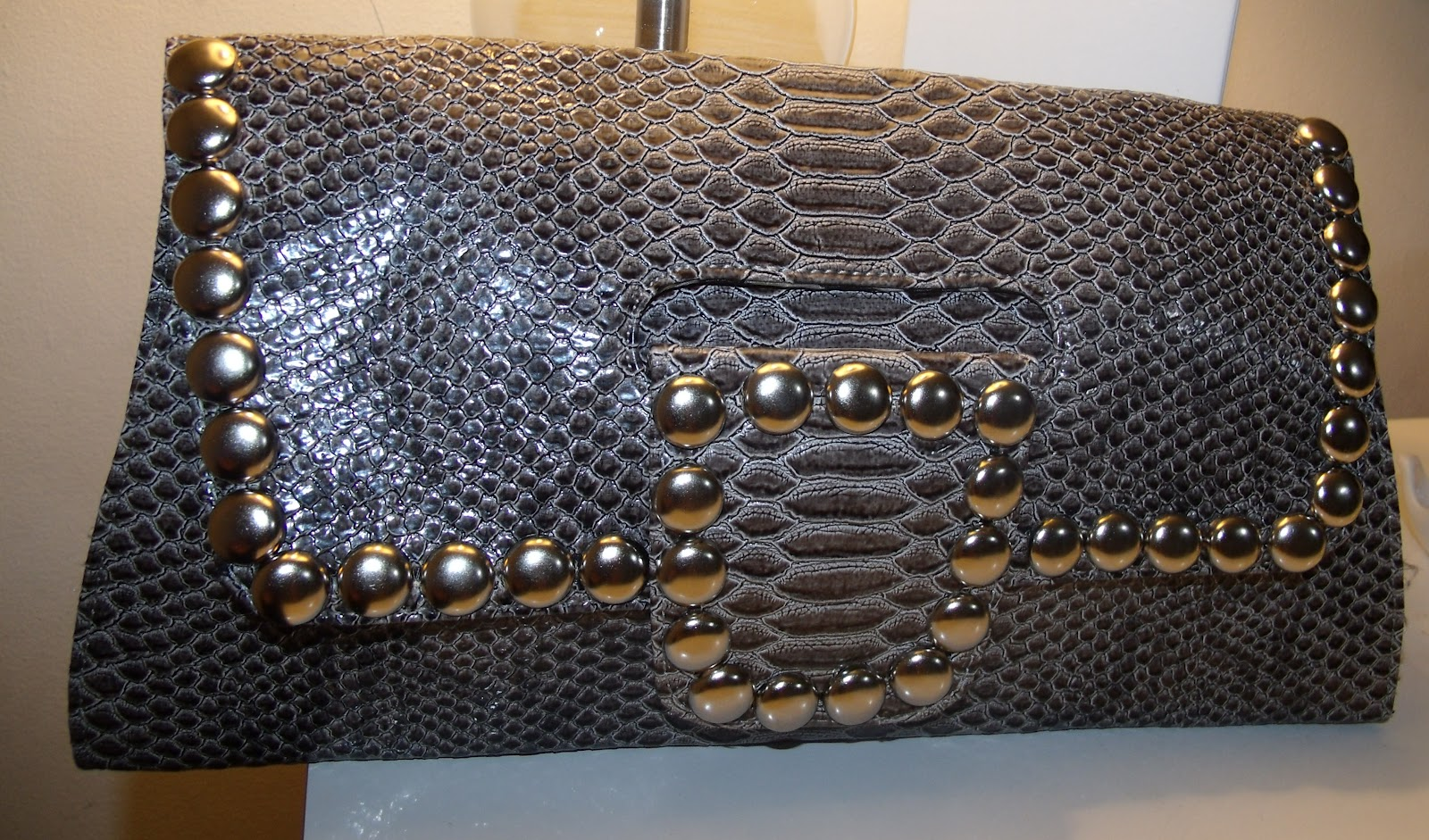 diy} snakeskin studded convertible clutch | curvatude™ - a chicago