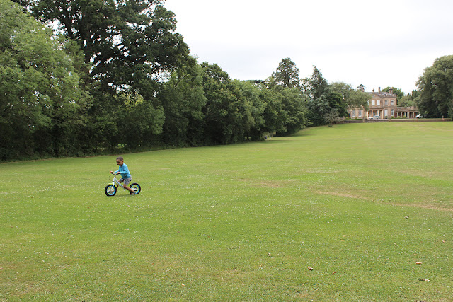 bike-rides-empty-grassy-field-upton-country-park-todaymyway.com
