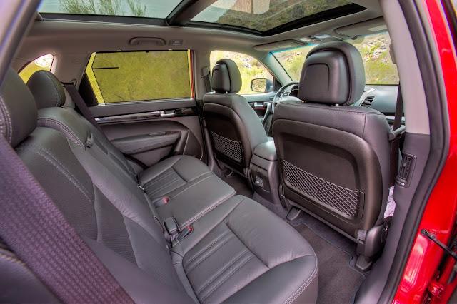 2014 Kia Sorento interior view