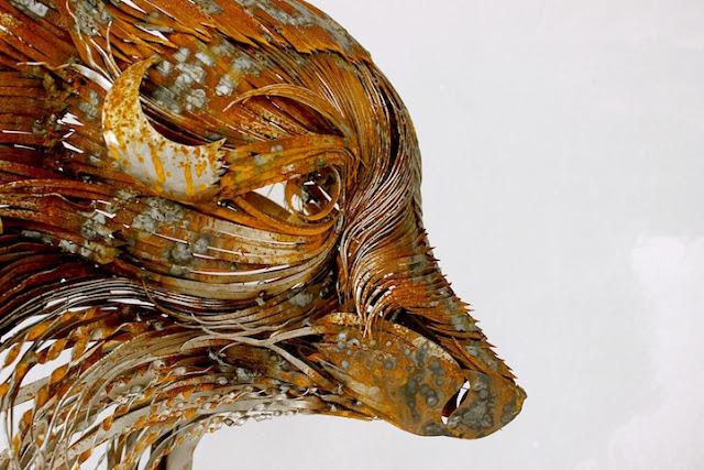 Poderosas esculturas de animais feitas de aço por Selçuk Yılmaz