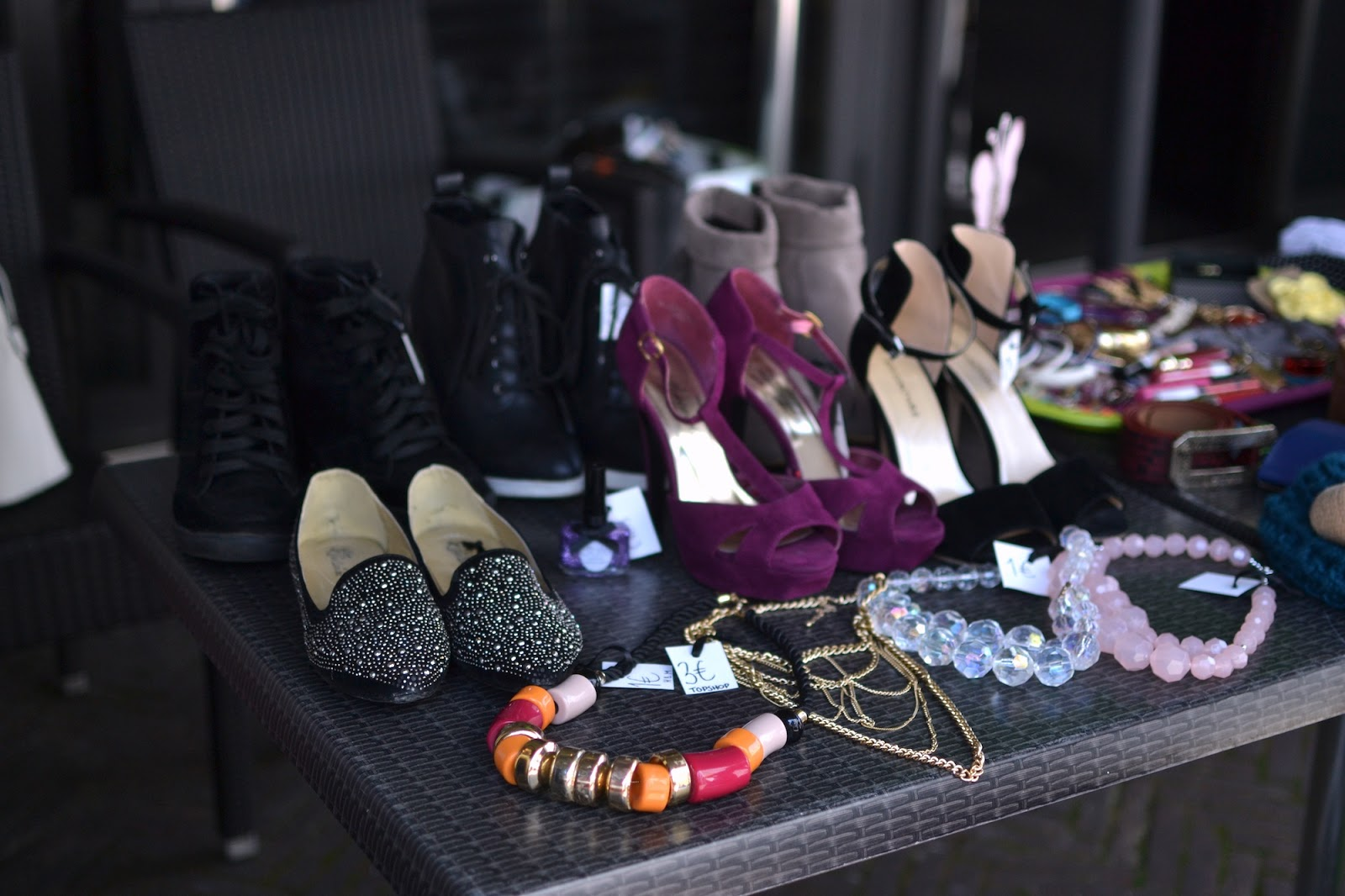 Luxembourg blogger closet sale