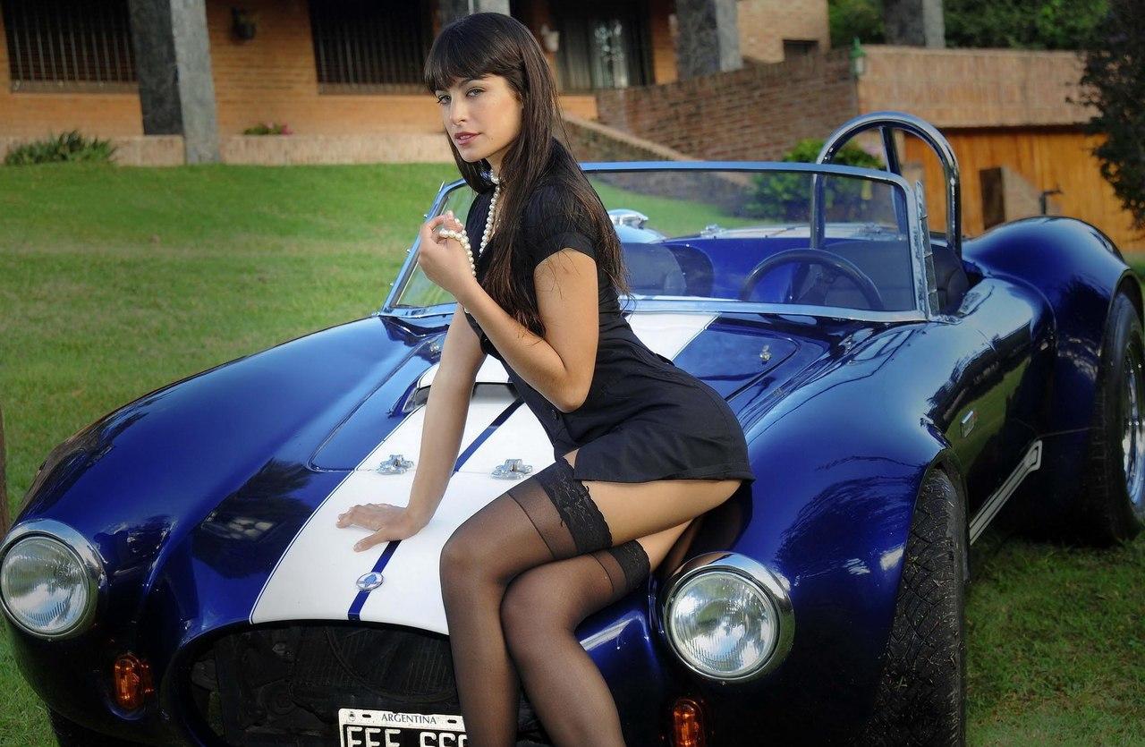 Фотки телок с куча деньгами и возле машины 20 фотография