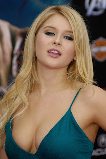 Renee Olstead Big Cleavage