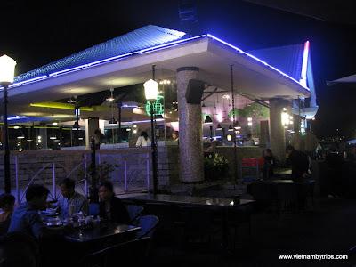 Dalat city - Thanh Thuy coffee shop on Xuan Huong lake