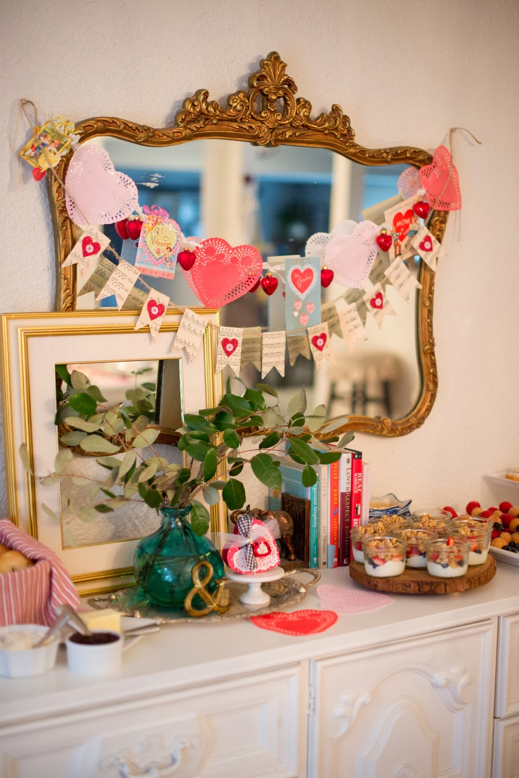Valentine home decorations stunning home design for Cupid decorations home