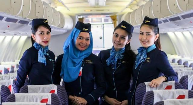 Pramugari Sriwijaya Air Terlihat Anggun Dengan Seragam Jilbabnya