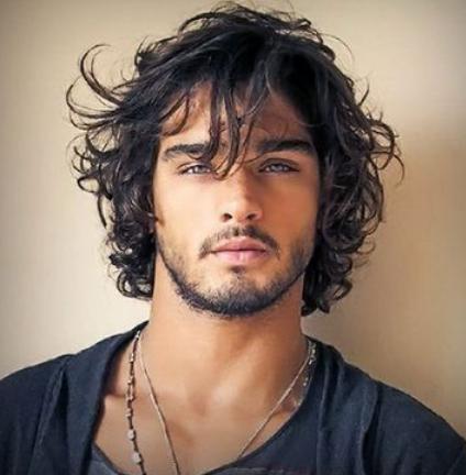model rambut pria yang ikal