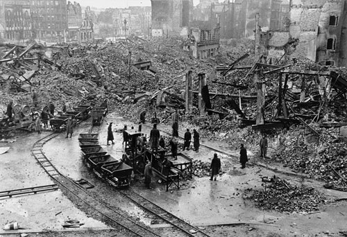 history of germany during and after the two world wars During world war ii nazi germany and its allies systematically exterminated approximately six million jews during world war ii no more than 450,000 to 500,000 jews survived world war ii in german-occupied europe.
