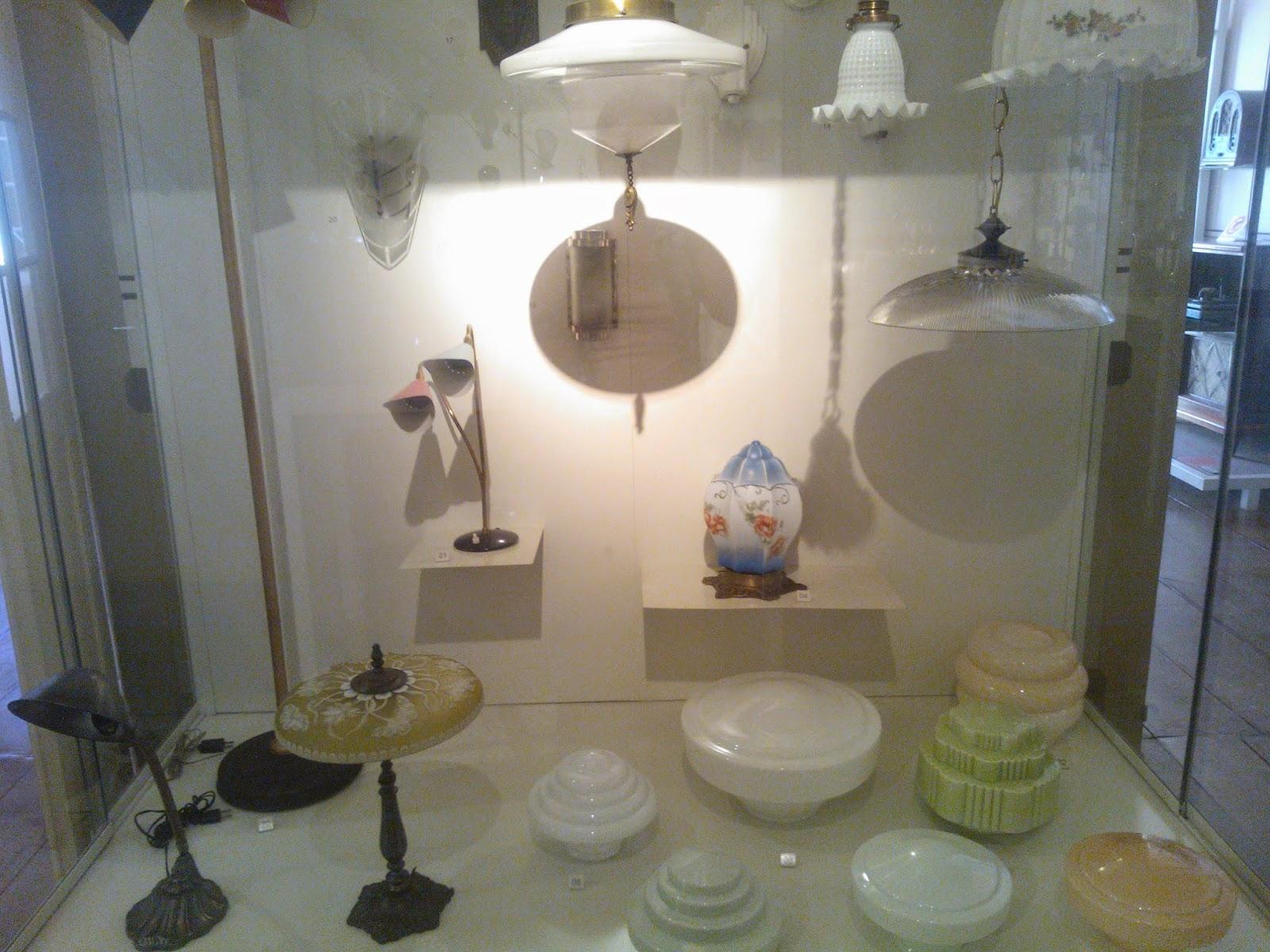 pendentes, plafons, arandelas e luminárias de chão - Museu da Energia, Itu-SP