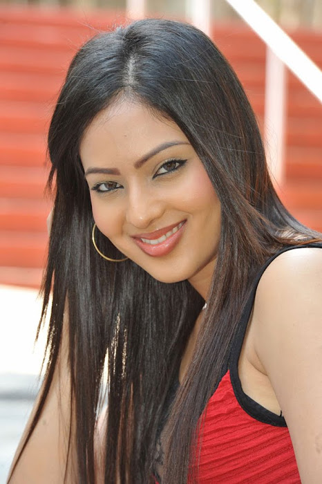 nikesha patel new actress pics