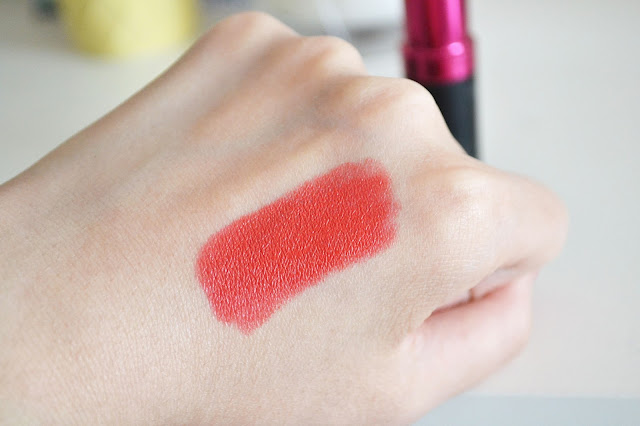 Seventeen lipstick hot chilli swatch