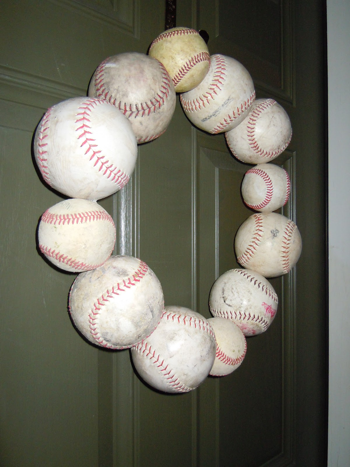 used-baseball-wreath