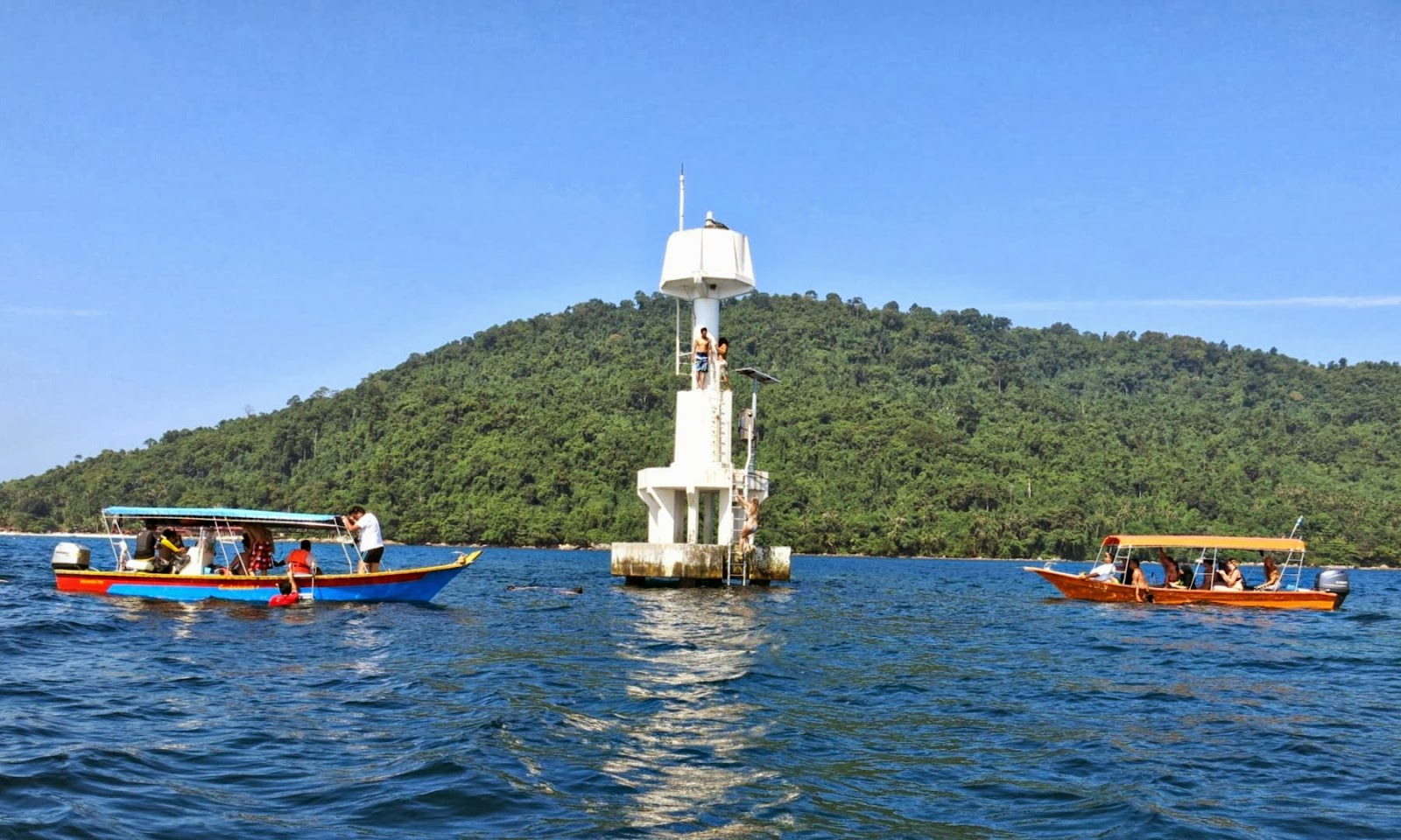 Pulau Perhentian Kecil Light Station Sea Diving Jumping