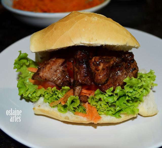 Sanduíche com Carne de Porco