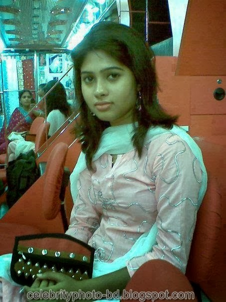 Deshi+girl+real+indianVillage+And+college+girl+Photos069