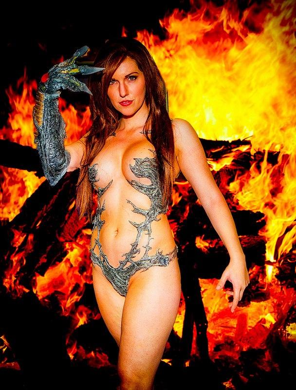 Jacqueline Goehner Cosplaying as Sara Pezzini AKA Witchblade
