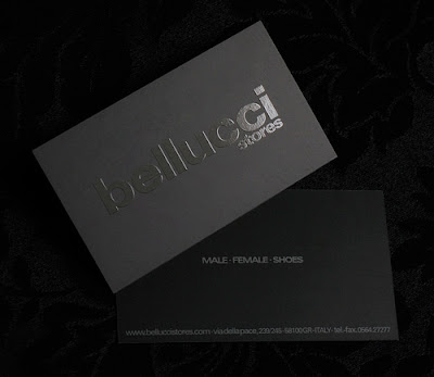 tarjeta de visita de color negro