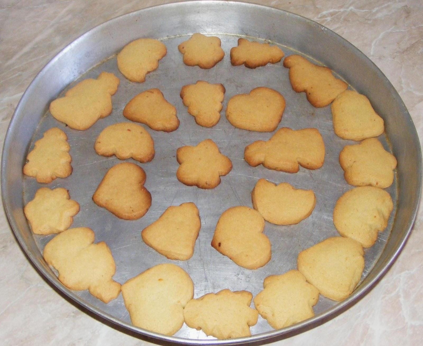 dulciuri, fursecuri, fursecuri fragede, fursecuri cu untura, fursecuri pufoase, fursecuri simple, reteta fursecuri, fursecuri de casa, retete de fursecuri, biscuiti de casa, biscuiti, fursecuri rapide, retete culinare, preparate culinare, deserturi, fursec, dulciuri cu untura, dulciuri de casa,
