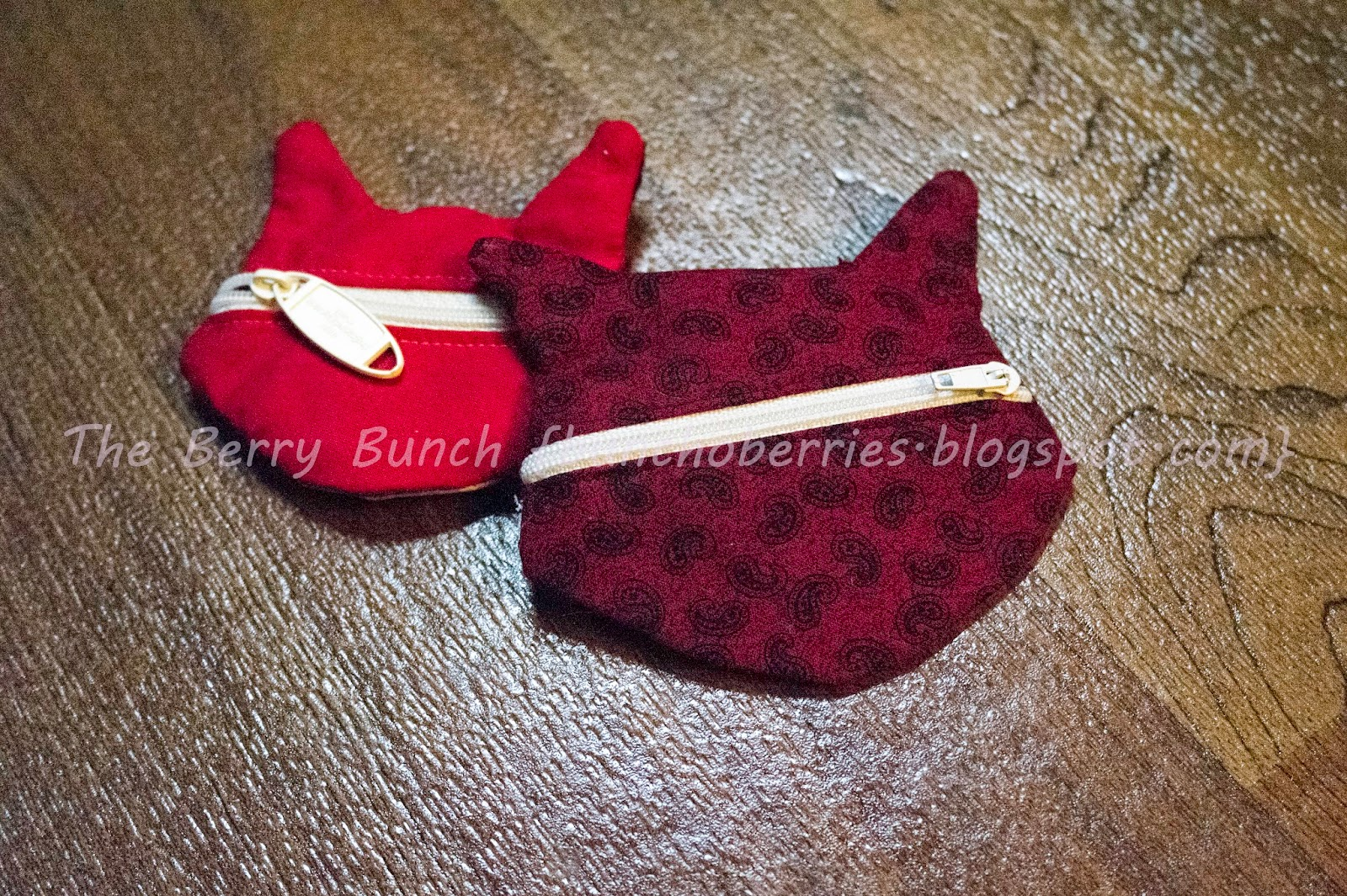 The Berry Bunch: Get Your Crap Together: Fox Coin Pouch Testing a FREE Pattern {GYCT Designs}