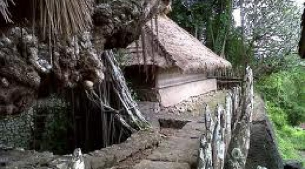 Masjid Kuno Gunung Pujut - munsypedia.blogspot.com