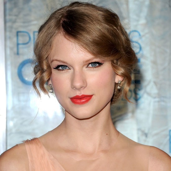 Taylor Swift Natural Hair, Long Hairstyle 2011, Hairstyle 2011, New Long Hairstyle 2011, Celebrity Long Hairstyles 2104