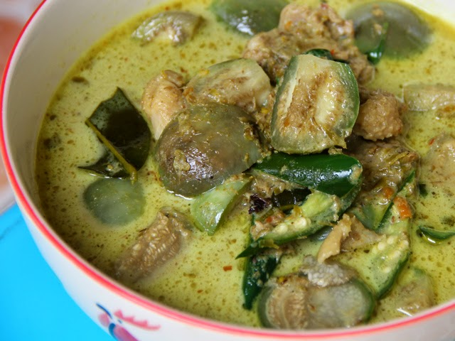 Green Curry with Chicken, Thai Cooking Class with Easy Day Thailand