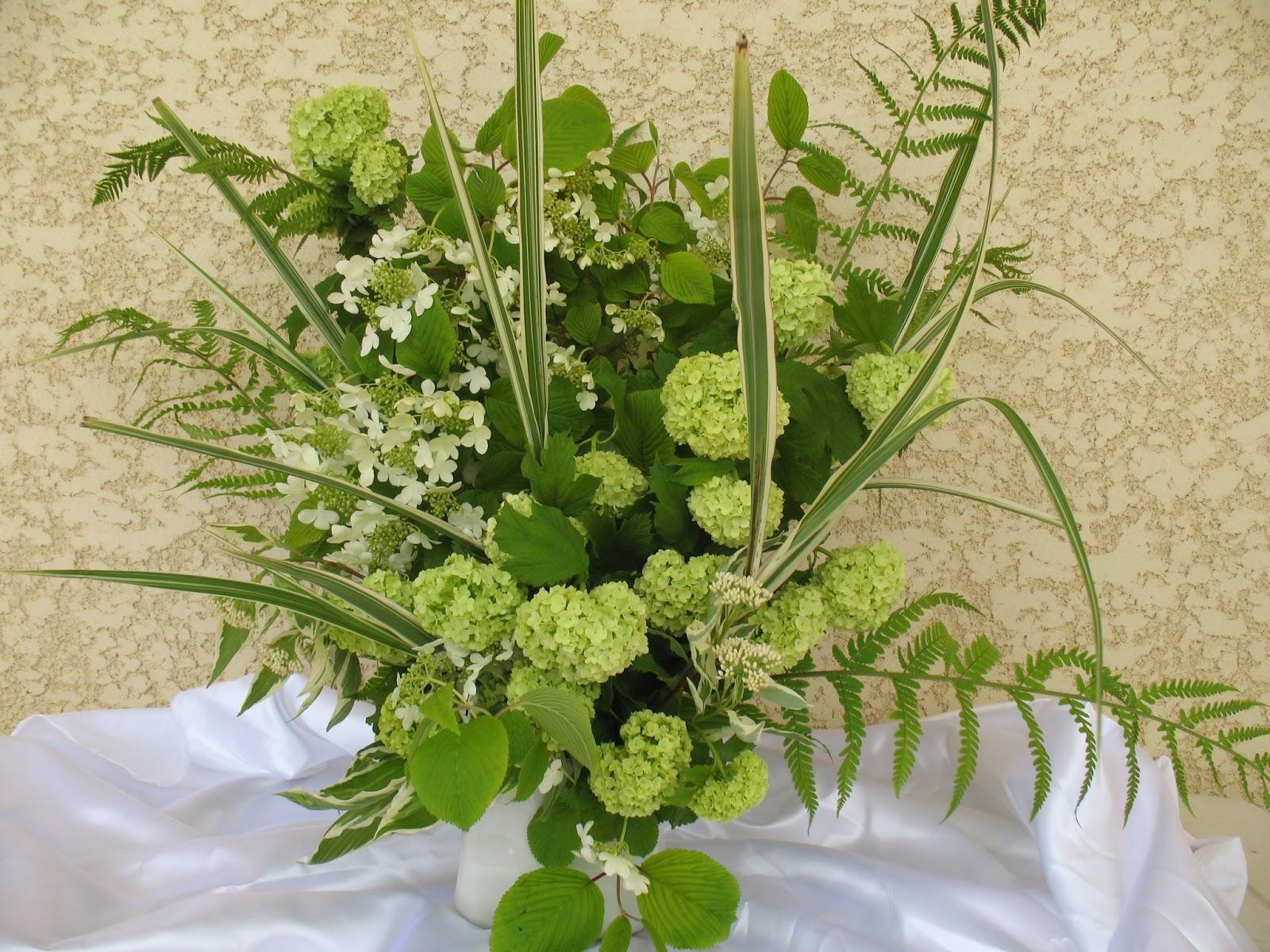 Roses Du Jardin Ch Neland Bouquet De Fleurs De Viburnums