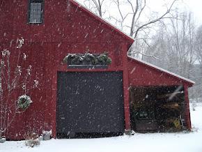 A winter barn.