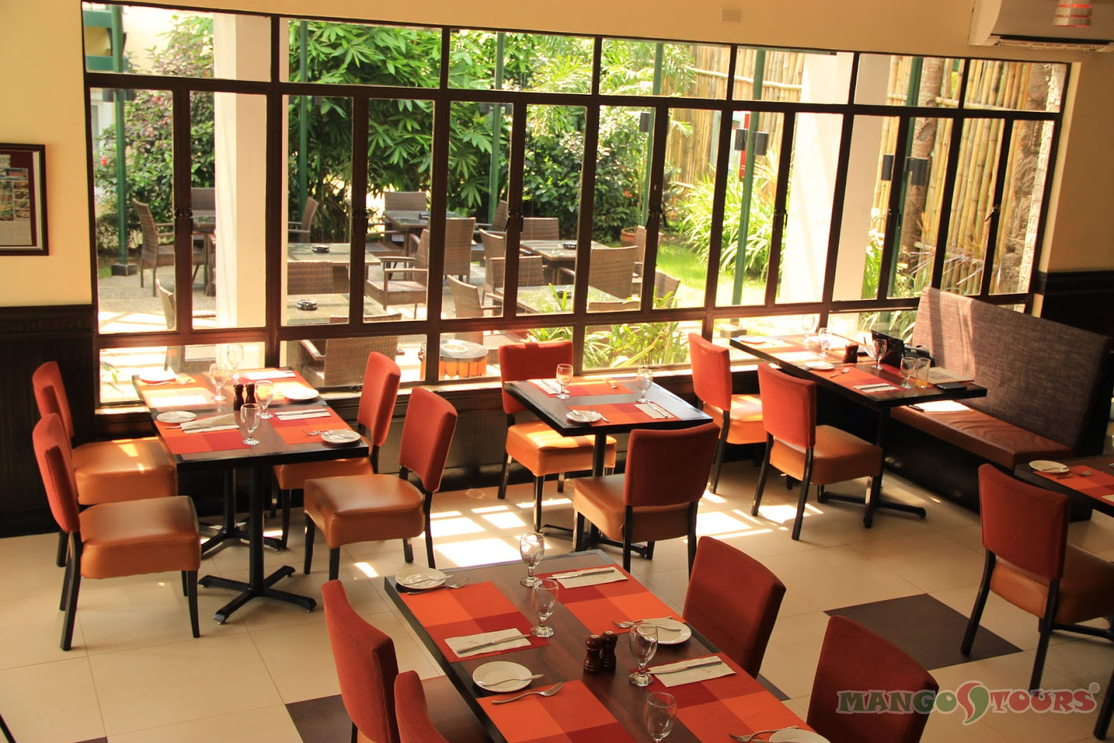 Mango Tours Microtel by Wyndham Sto. Tomas Batangas Millie's Restaurant indoor dining