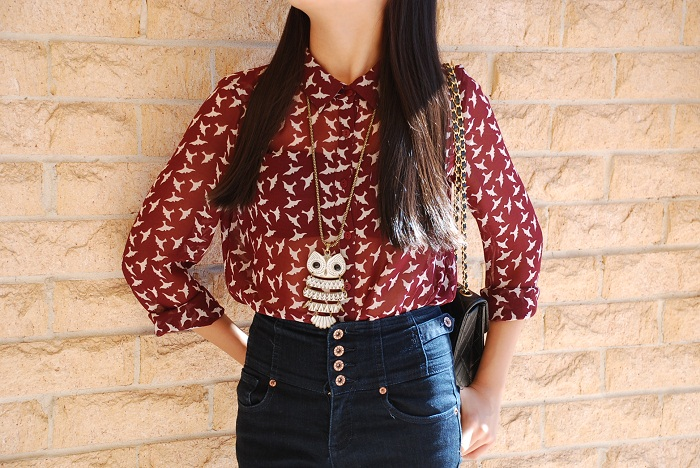 fashion, personal style, outfit, bird, blouse, high-waisted jeans, owl, necklace