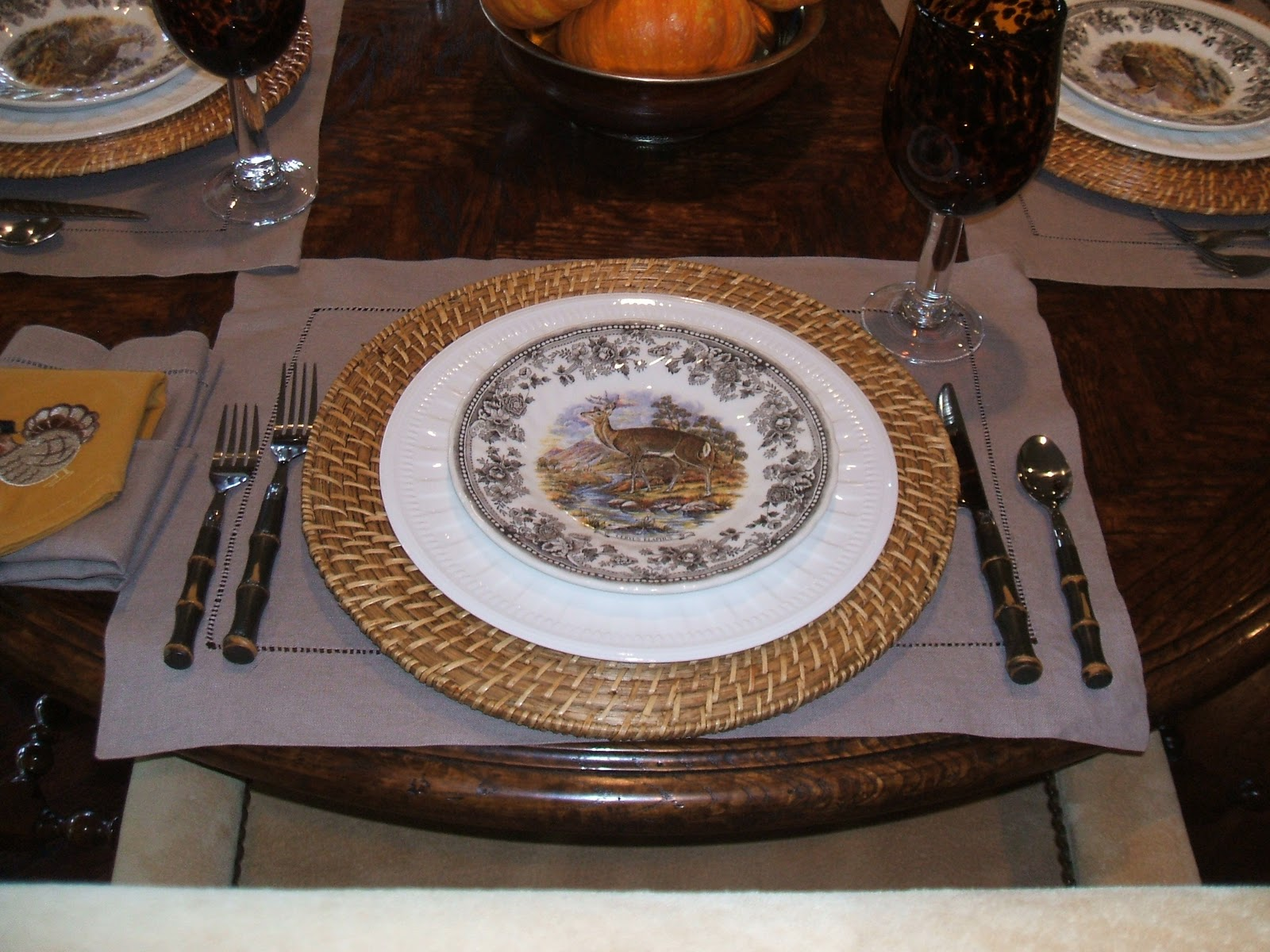 RE-invented style: RE-ceiving Guests: Thanksgiving table