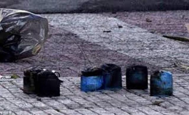 Εμπρησμός στο σπίτι του στρατιωτικού που αρνήθηκε να υπηρετήσει σε κέντρο προσφύγων - Ποιοι ανέλαβαν την ευθύνη