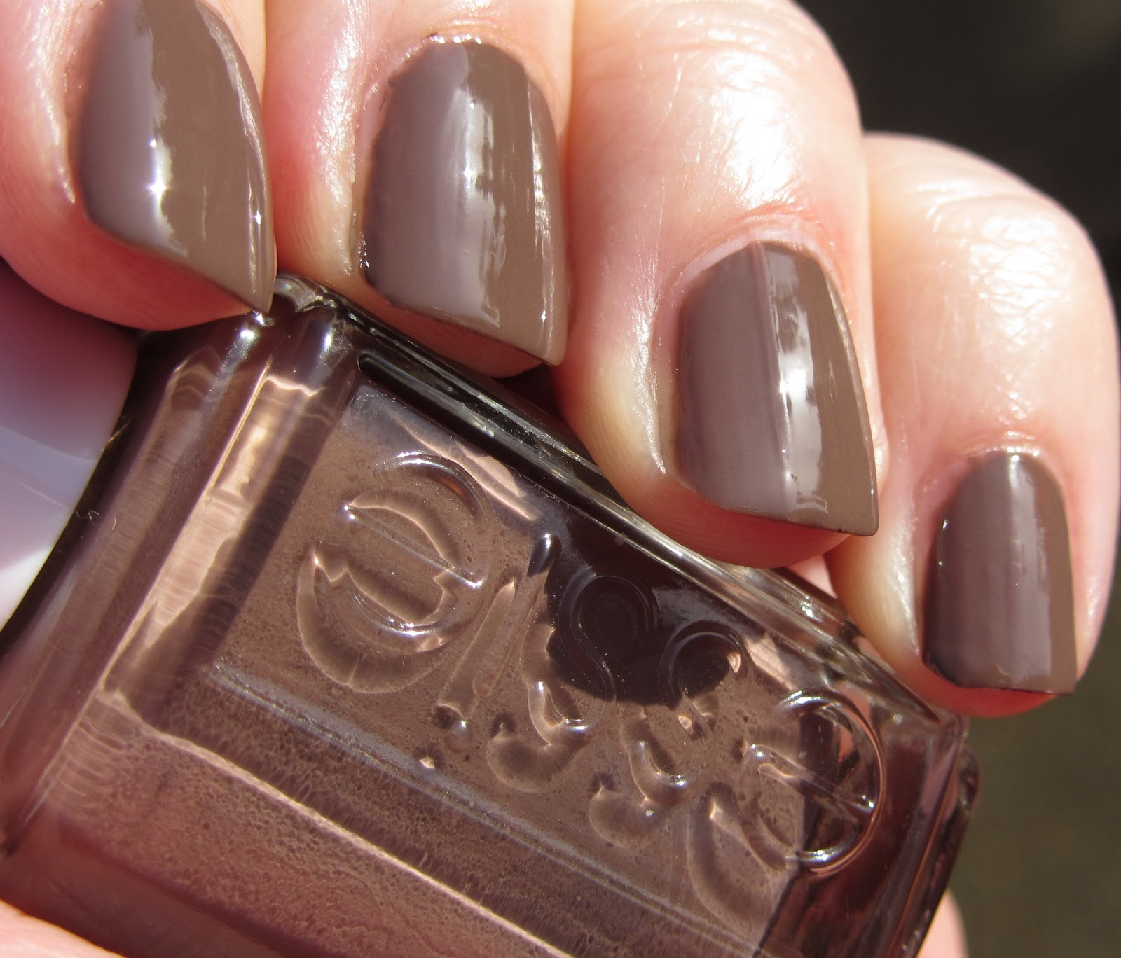 Marias Nail Art And Polish Blog: Essie Mink Muffs