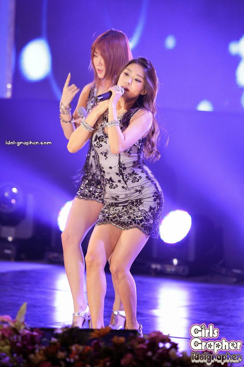 Sistar (씨스타) Soyou (소유), Bora (보라) - CJB Music Power on 12 March 2014